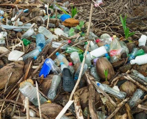 ocean-plastics-on-the-beach